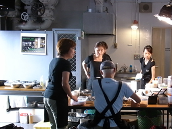 090829_kitchen.jpg