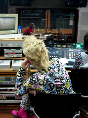 090930_radio.jpg