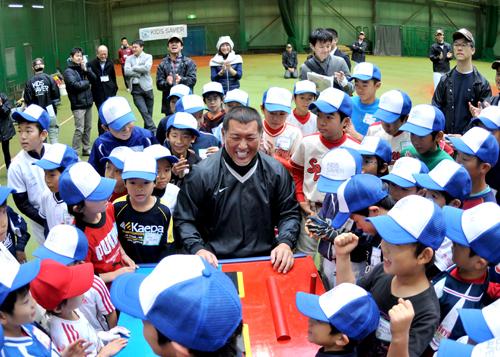 元プロ野球選手・清原和博さんが子どもたちを熱血指導!「キッズ・ベースボール・チャレンジ」が開催1