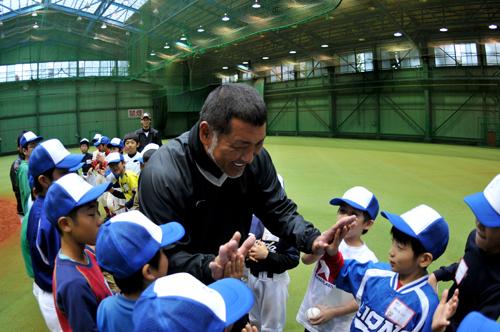 元プロ野球選手・清原和博さんが子どもたちを熱血指導!「キッズ・ベースボール・チャレンジ」が開催4
